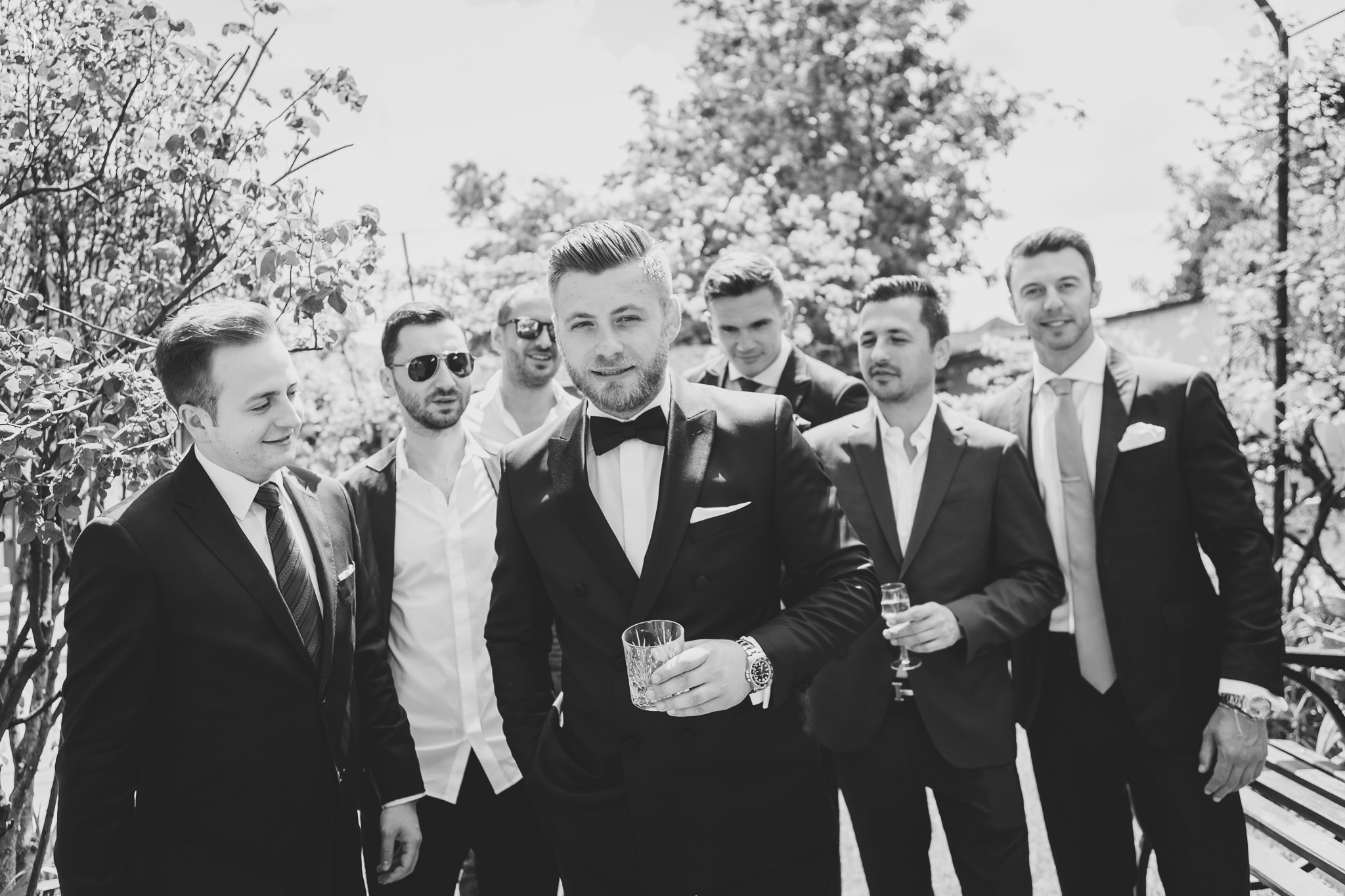 White Caut negru om pentru nunta