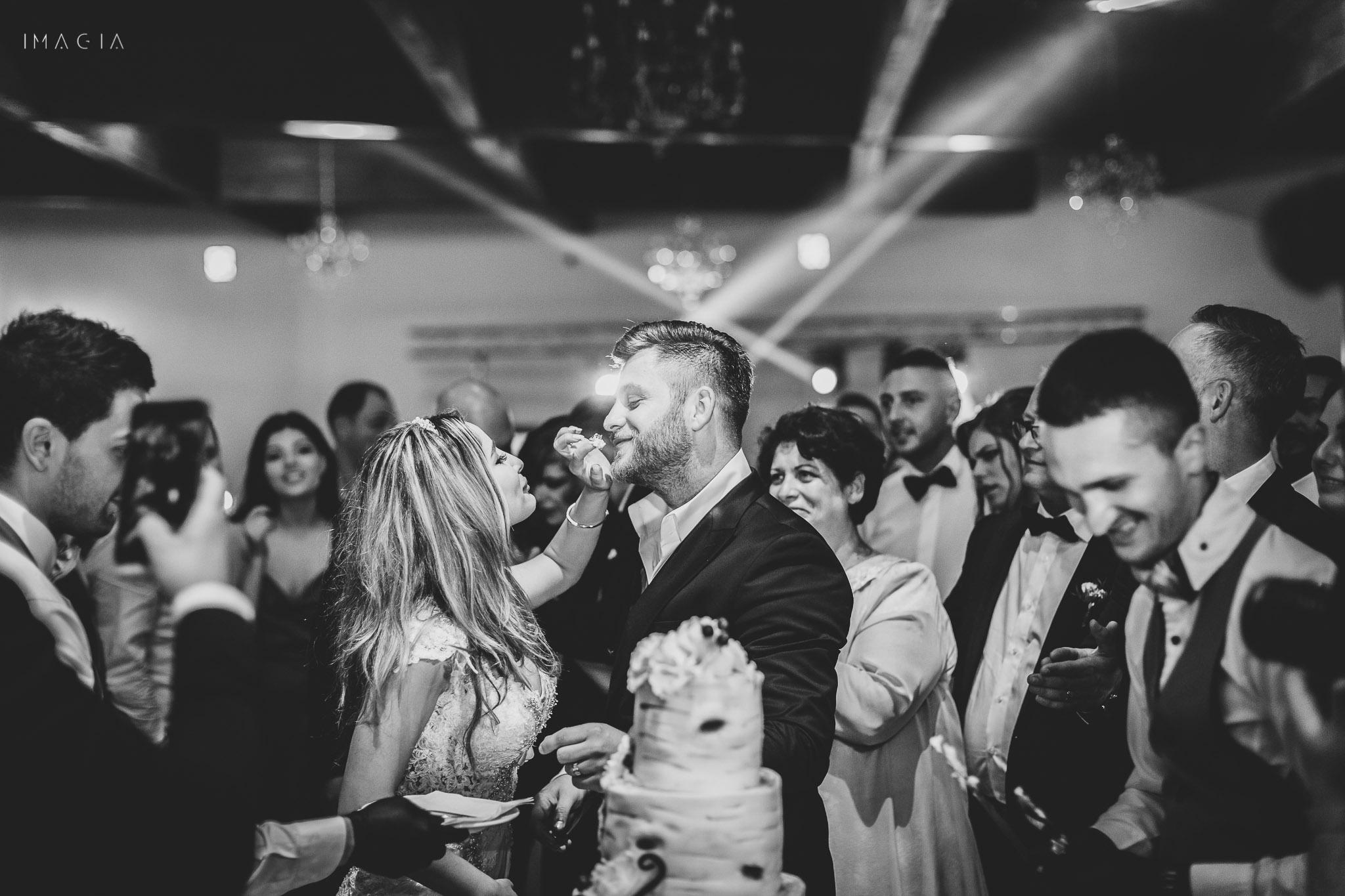 Tăierea tortului la nuntă la Sun Garden în Cluj-Napoca