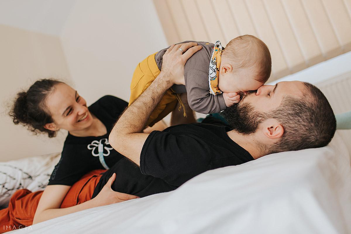 Familie din Cluj-Napoca la ședinșa foto cu copilul