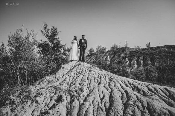 Fotografie de la ședința foto după nuntă de la Laguna Albastră, lângă Cluj-Napoca