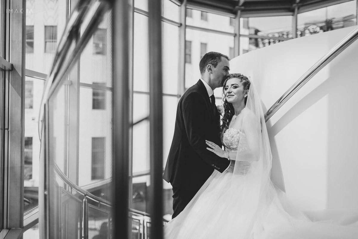 Mire și miresă la ședința foto din ziua nunții, fotografiați de imagia.ro