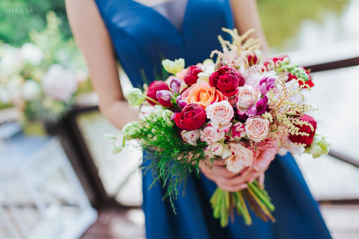 Flori create de Idyllic Events la o nuntă In București la Palatul Știrbey, salonul Prinșesa Maria